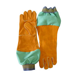 "Chicago Protective 125-WS-589-GR 18"" Combo Glove with Green FR Cotto"